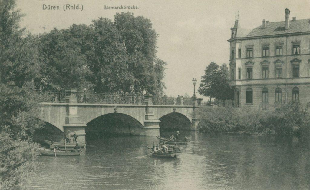 Die Bismarckbrücke 1915 vom Rurradufer aus gesehen