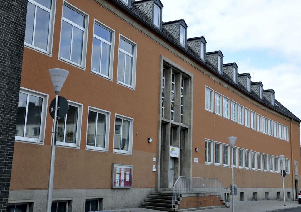 Der Eingang der Volkshochschule