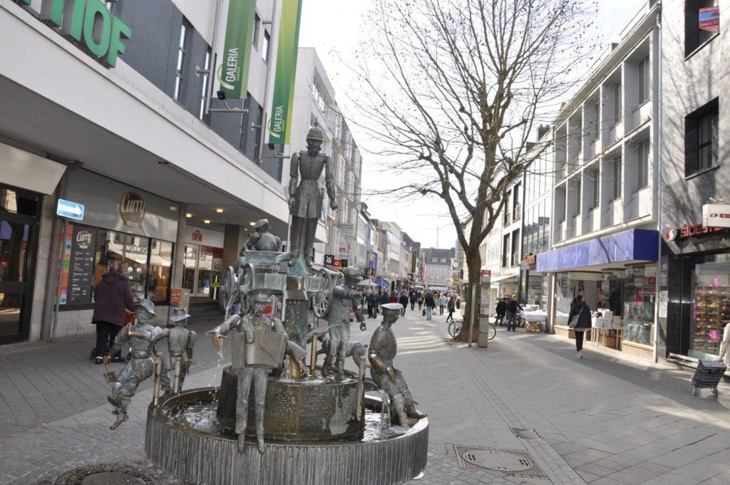 Der Originalebrunnen in der Wirtelstraße ist ein beliebtes Ziel von Kindern