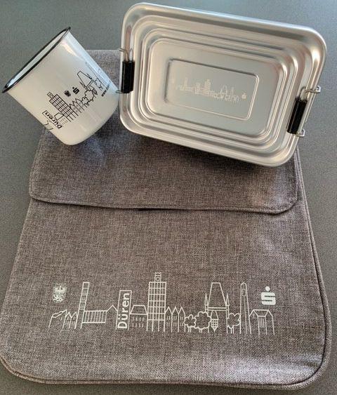 Tasse, Messengerbag und Lunchbox mit Düren Skyline