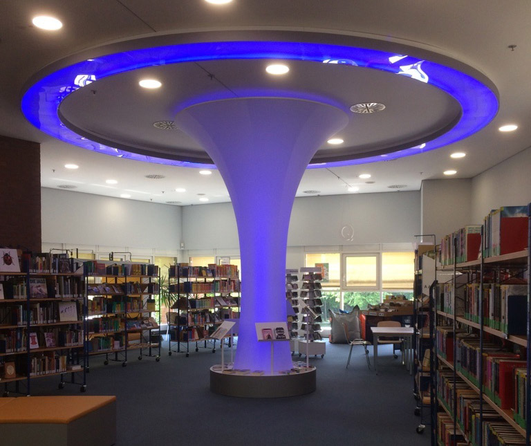 Leuchtelement in der Stadtbücherei DN