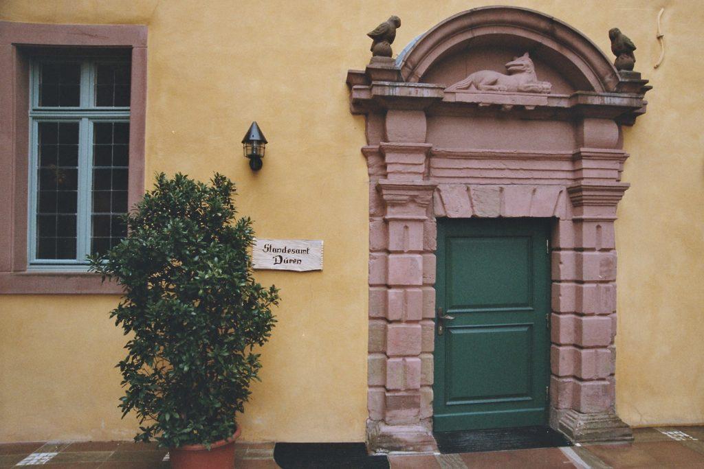 Schloss Burgau Eingang Trauungen