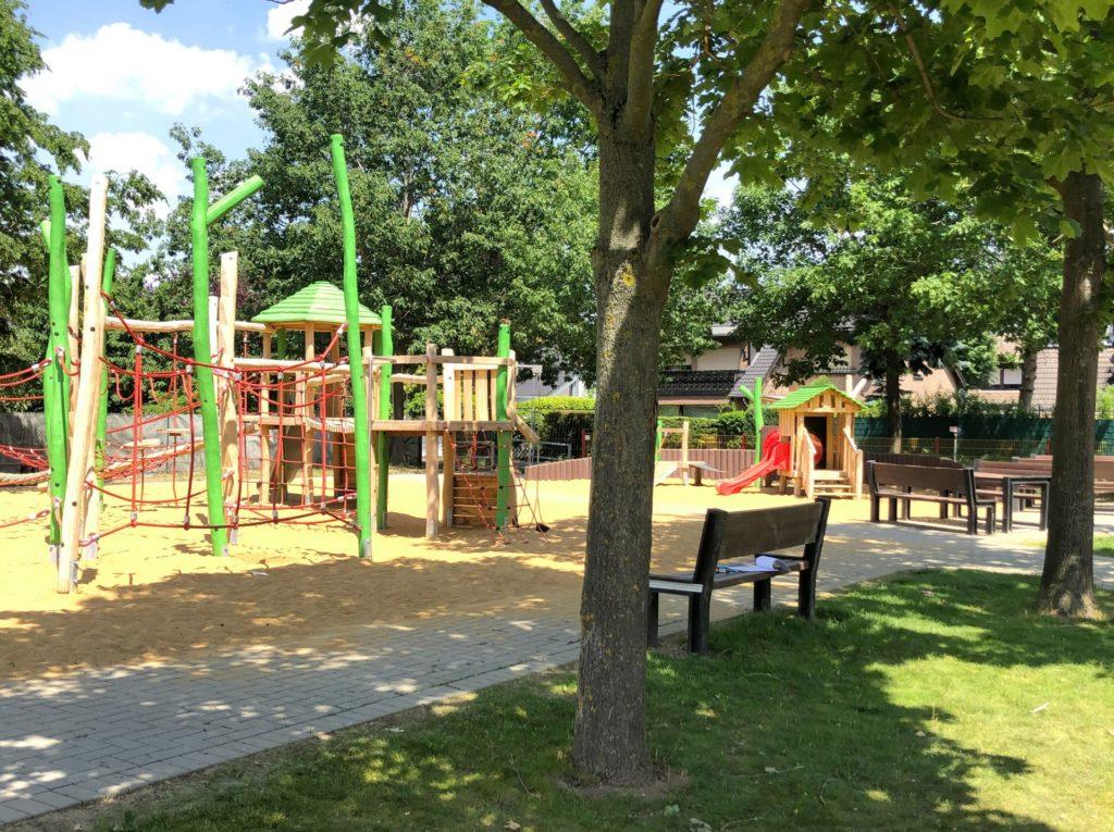 Ein toller neuer Platz zum Spielen. Der Kleinkinderbereich des Spielplatzes im Biff-Park strahlt in neuem Glanz.