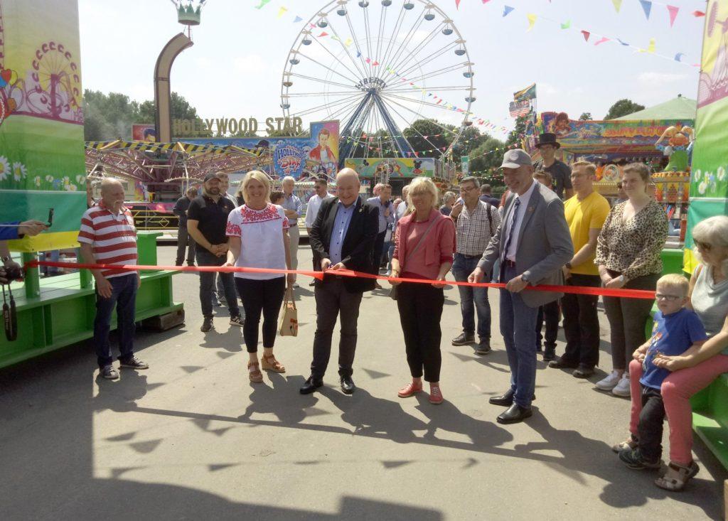 (v.l.n.r.) Iris Ullrich, Bürgermeister Frank Peter Ullrich, Liesel Koschorreck und Hans Bert Cremer