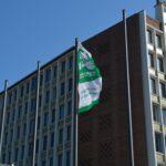 Stadt Düren hisst heute symbolisch die Mayors-for-Peace-Flagge als Zeichen der Solidarität